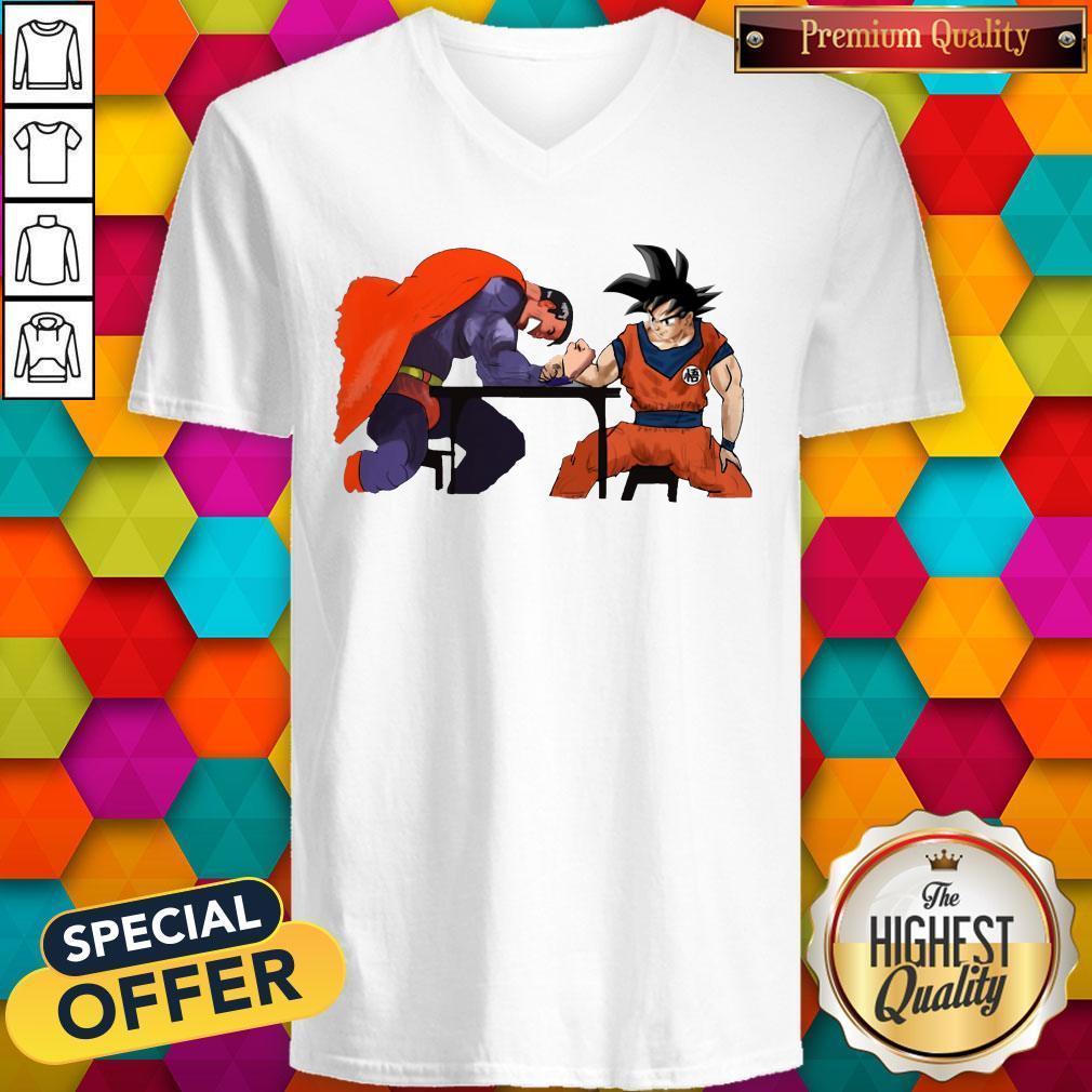 Top Superman Arm-wrestling Songoku V-neck