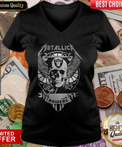 This Girl Loves Oklahoma Raiders Halloween Skeleton Heart V-neck