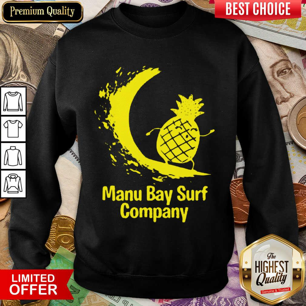 Awesome Manu Bay Surf Gold Surfing Pineapple 11 Sweatshirt